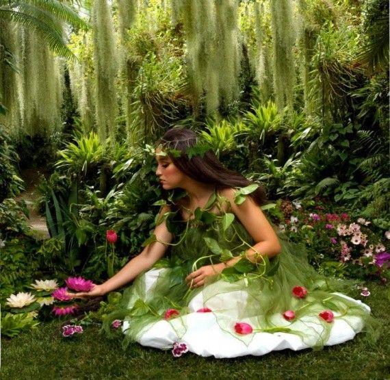 Malika dans le jardin